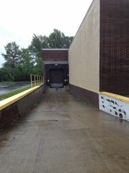 Commercial Sectional Dock Door and Dock Shelter